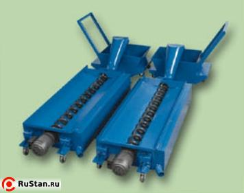 Chip auger (screw type chip conveyor)